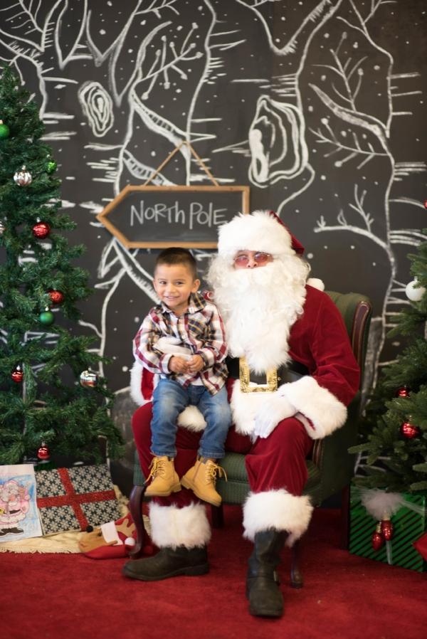Santa 12-4-16 WOW-6579.jpg