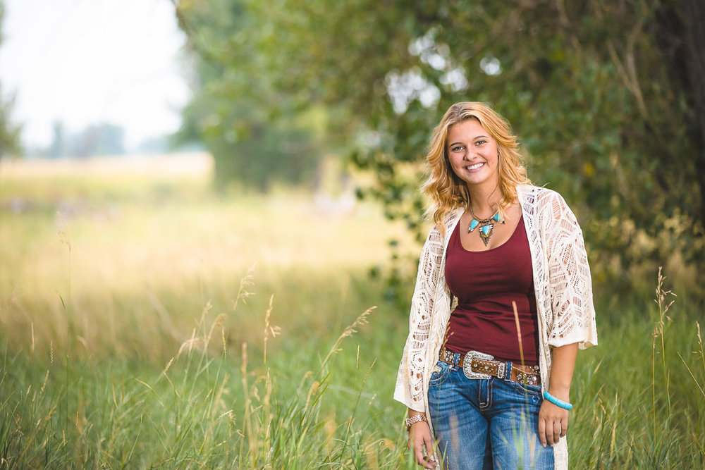senior-portrait-in-rural-setting-near-parker-colorado.jpg