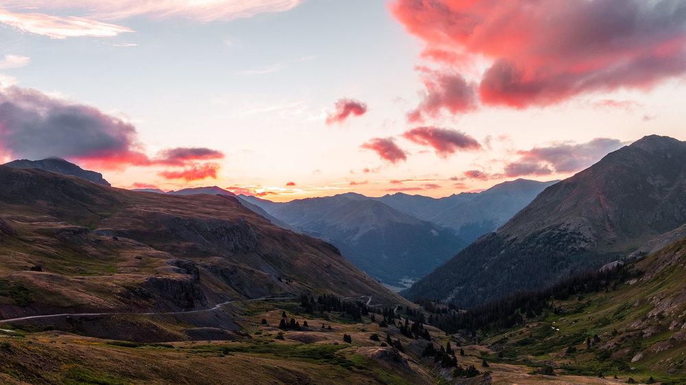 Sunrise along Cinnamon Pass - Fuji XT2, 23mm f/2