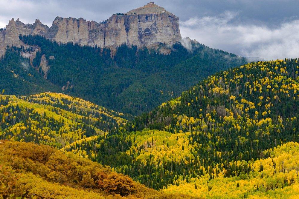 Fall colors along the Cimmaron Mountains - Fuji XT2, XF 50-140mm f/2.8 @ 87.1 mm