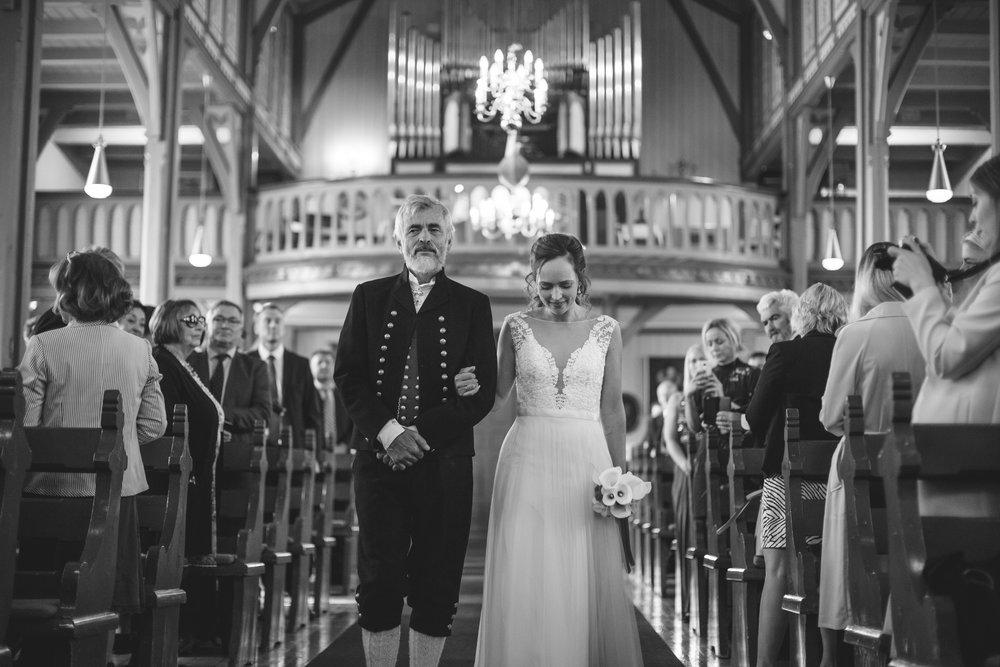 Lenita.Frode.Wedding-3.jpg