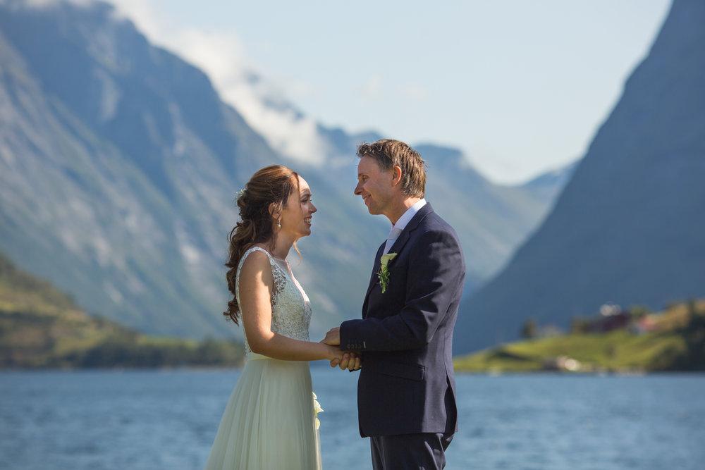 Lenita.Frode.Wedding-15.jpg