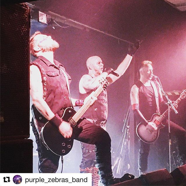 #Repost @purple_zebras_band - Great night guys! 👌🏻🙌 . . . Supported the awesome @rammlieduk tonight @oldschoolhousebarnsley ... full house ... catch them if you can!!!🤘😈🤘 #rammstein #rammlied #germanindustrialmetal #metal #metalfans #livemusic #livemusicvenue #duhast