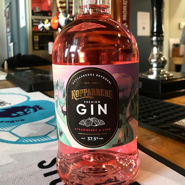 Say hello to our new addition to the 'gin bar' 😍😍 This is going to go down a storm with you lovely people we are sure. Why not come and sample one today! Only £4.50 with a fever-tree tonic 🙋🏼♀️🤩 #kopperberg #kopperberggin #gin #ginstagram #summerfeeling