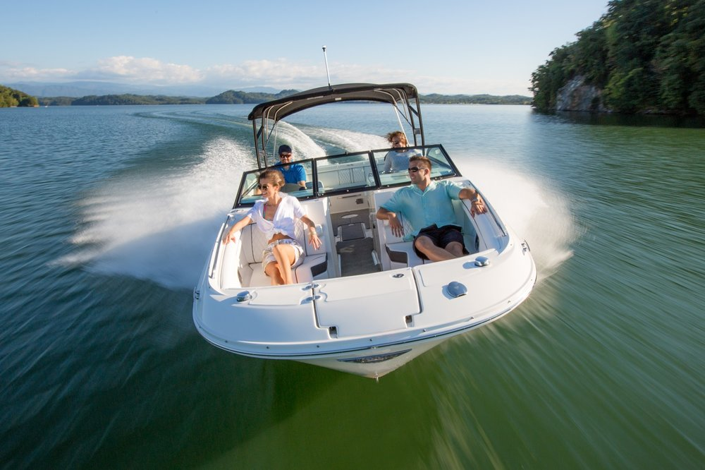 2017 Sea Ray SPX 190  - The water beckons, and Sea Ray provides the perfect solution with the affordable and sporty SPX 190. This aggressive athlete lets you live the premium Sea Ray on-water lifestyle with the kind of comfort and performance your family desires. The combination of a roomy interior, comfortable handling and stylish design delivers a boating experience beyond compare at a price intended to accommodate family budgets.Courtesy of Seattle Boat Share.