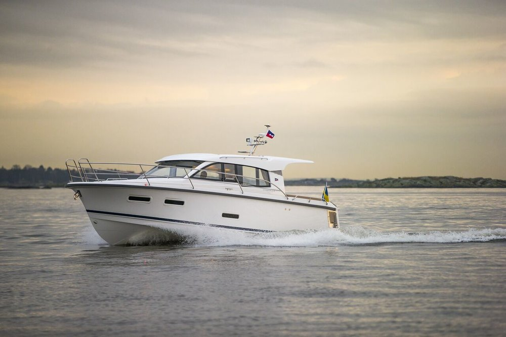 2016 Nimbus 305 Coupe  - Timeless lines meet strict design and clever functionality when it comes to a Nimbus. With 2 cabins and 1 head, this 305 is well suited for the customer who enjoys social activities, comfortable living and easy handling as they cruise around the San Juans all summer long! Courtesy of Seattle Yachts.