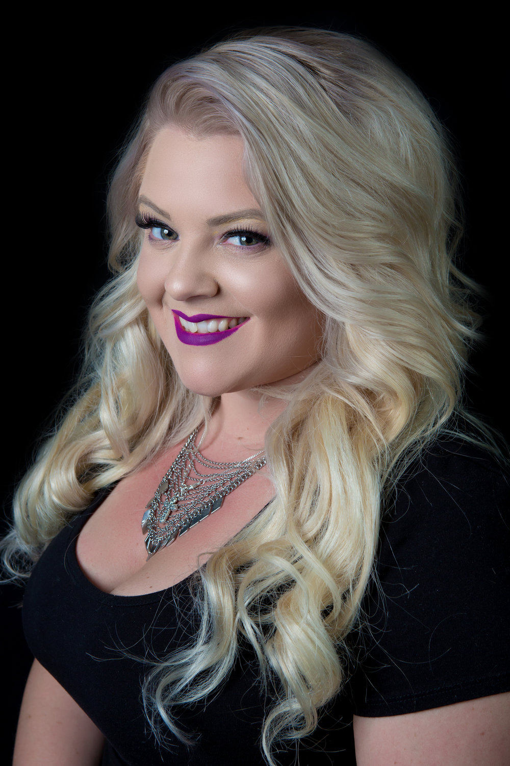 Nicole - Hi, I've been a stylist at Avant Garde Salon for nearly 7yrs.  I specialize in hair Extensions and color techniques. I also have hair available for clients that need Extensions. Hope to meet you soon!