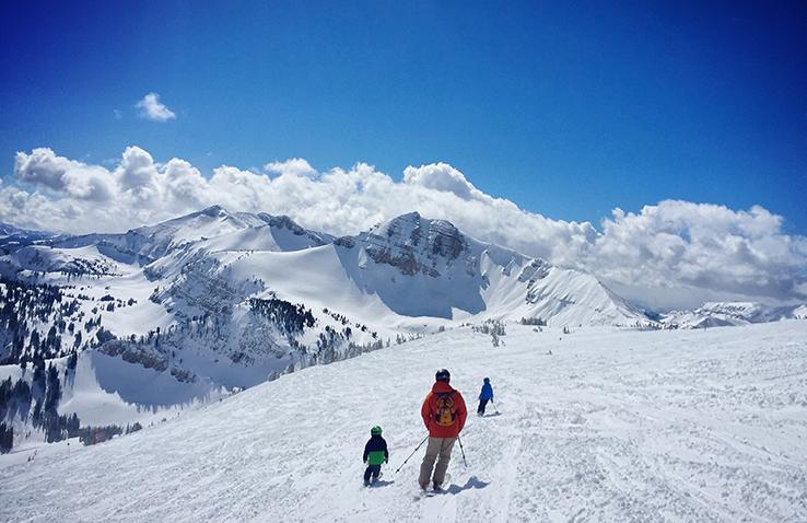 Skiing_sm.jpg