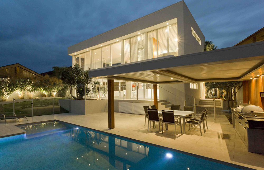 modern luxury home.jpg