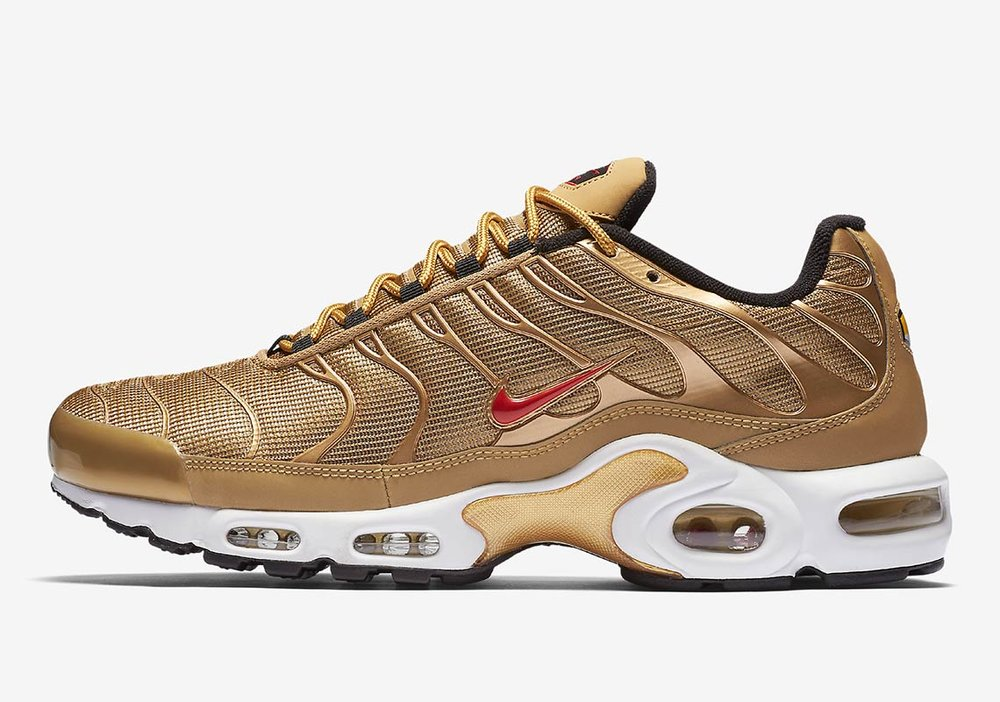 nike-air-max-plus-metallic-gold-903827-700.jpg