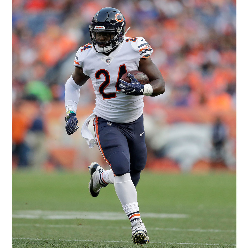 JordanHoward_ChicagoBears_JordanBrand_re_square_1600.jpg