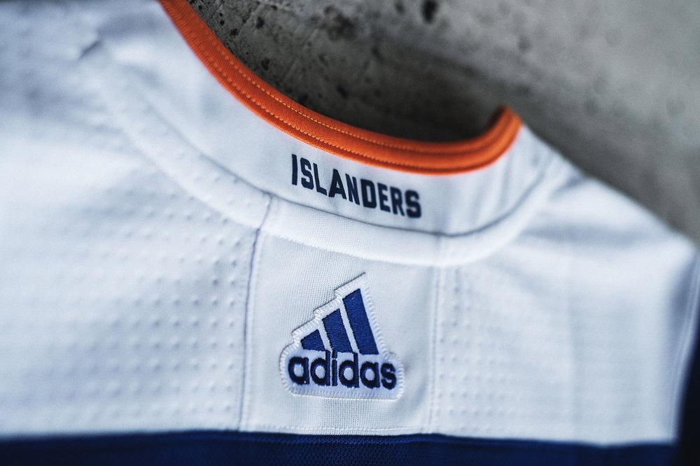 adidasHokcey_Islanders_3rdJersey_005.jpg