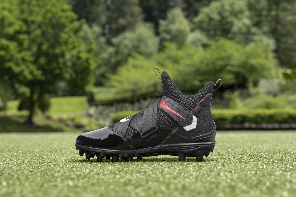 Nike_NFB_Energy_FW_LeBron_Soldier12_R_Medial.jpg