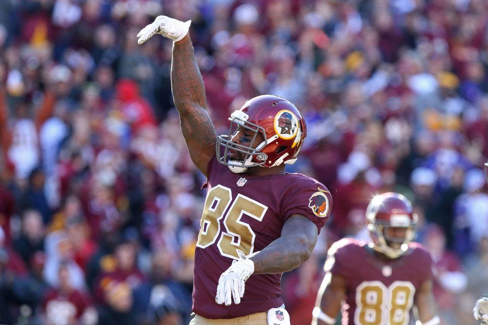 Washington-Redskins-Throwback-Uniform-2016-Geoff-Burke-USA-TODAY-Sports.jpg