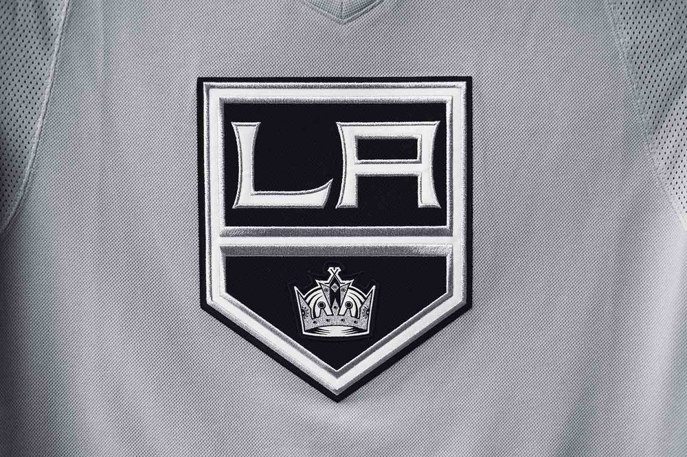 adidasHockey_Kings_SilverJersey_002.jpg