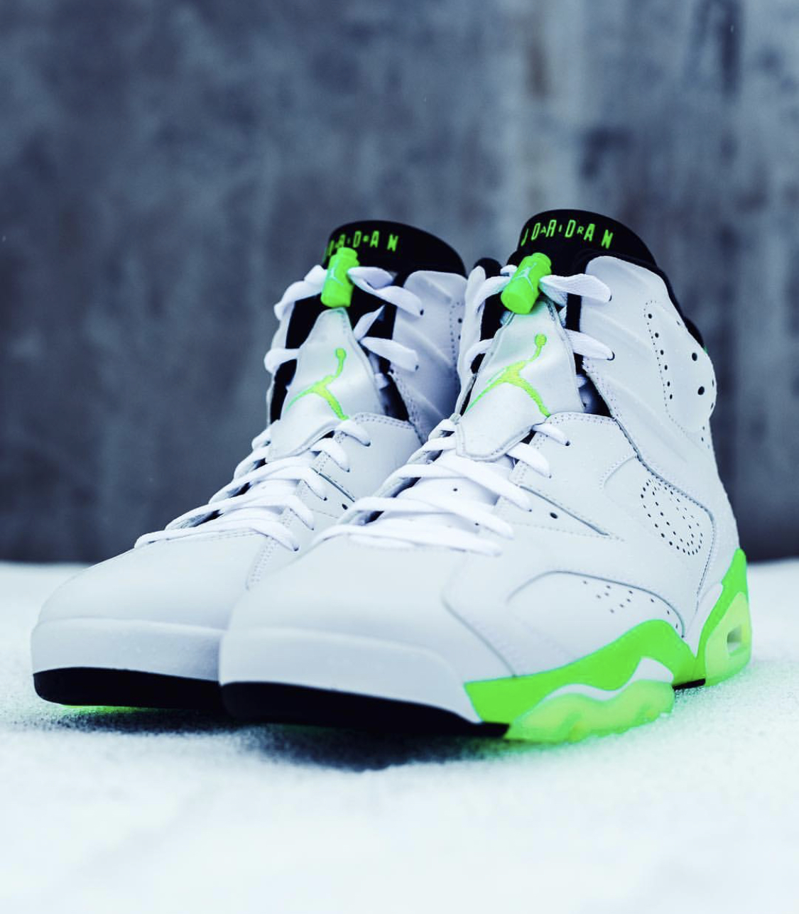 de55a1b104d3c2 Oregon Women s Basketball Custom Jordan 6s — UNISWAG