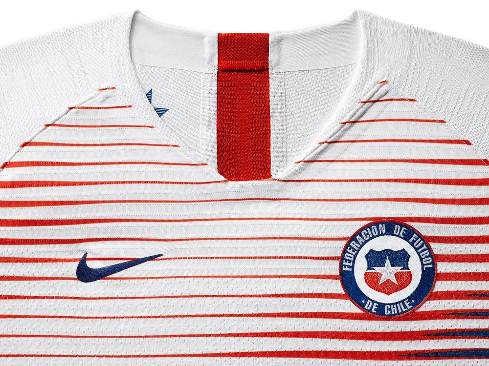 chile-national-team-kit-2019-laydown-1_85916.jpg