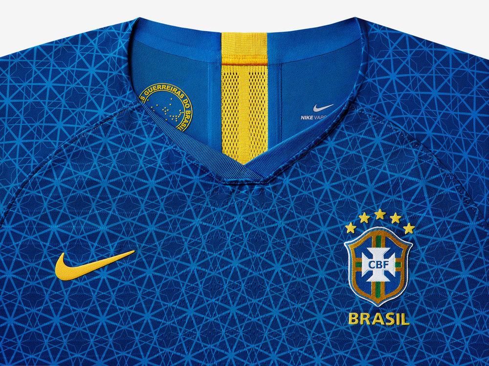 brasil-national-team-kit-2019-laydown-1_85909.jpg