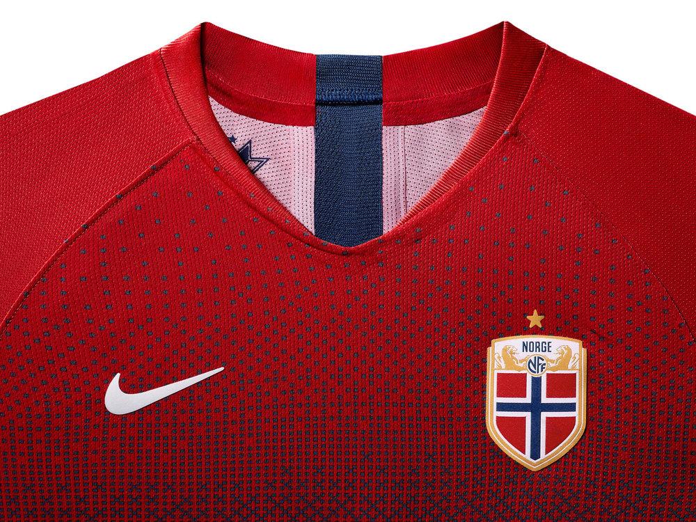 norway-national-team-kit-2019-laydown-3_85903.jpg