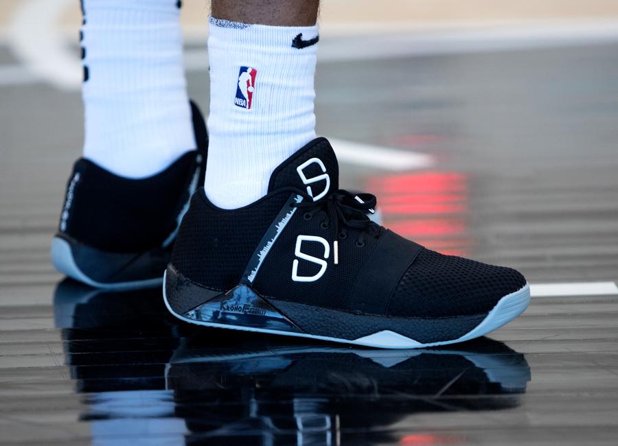dinwiddie-sneakers-2019-01.jpg