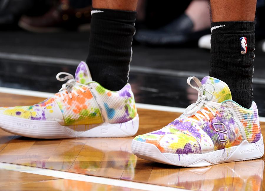 dinwiddie-sneakers-2019-04.jpg