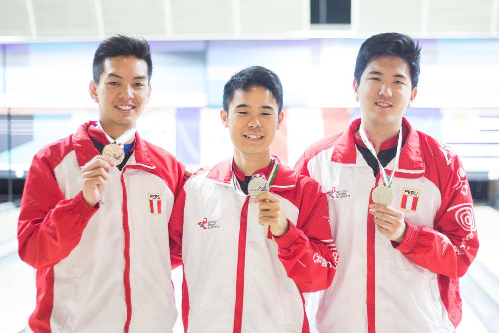 MEDALLA DE PLATA - Daiji, Yum y Aldo obtuvieron la medalla de plata en la modalidad tríos en el Panamericano Sub-20 realizado en Monterrey, México. Esta medalla es histórica ya que no se lograba tal hazaña desde hace 20 años.
