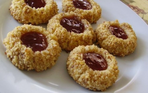 almond raspberry cookies.jpg