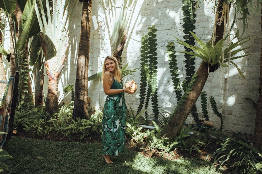 My name is Anna, I'm a certified life coach & digital nomad who lives and breathes this lifestyle. -