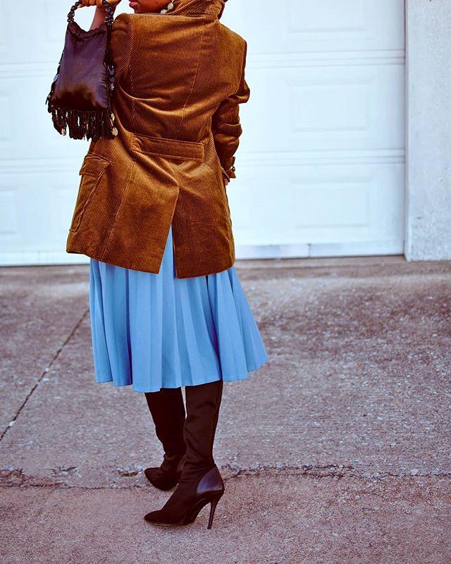Happy Sunday guys!!!! . . . . . . . . . . . . . . . . .. #blogger #fashion #newblogger #nigerianfashion #naijagirlskillingit #blackgirlmagic #blackfashion #blackbloggers #blogpost #newblog #bloggerstyle #blogfashion #style #blogging #fashionblogger #fashionista  #thrifted #fall #blog #oklahoma  #blackgirlskillingit #ootd #whatiwore #blackcreatives #stylecollective #outfitoftheday #outfit #blackbloggersunited #brownsugarsocial