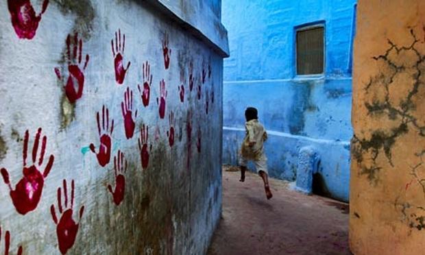 Boy-in-Mid-Flight-Jodhpur-006.jpg