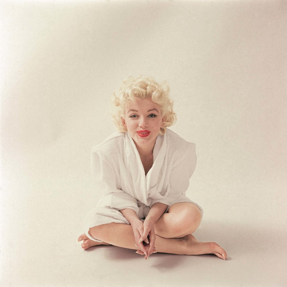 10_-_photographed_by_milton_h._greene_-_the_essential_marilyn_monroe_published_by_acc_editions_c2017_joshua_greene.jpg
