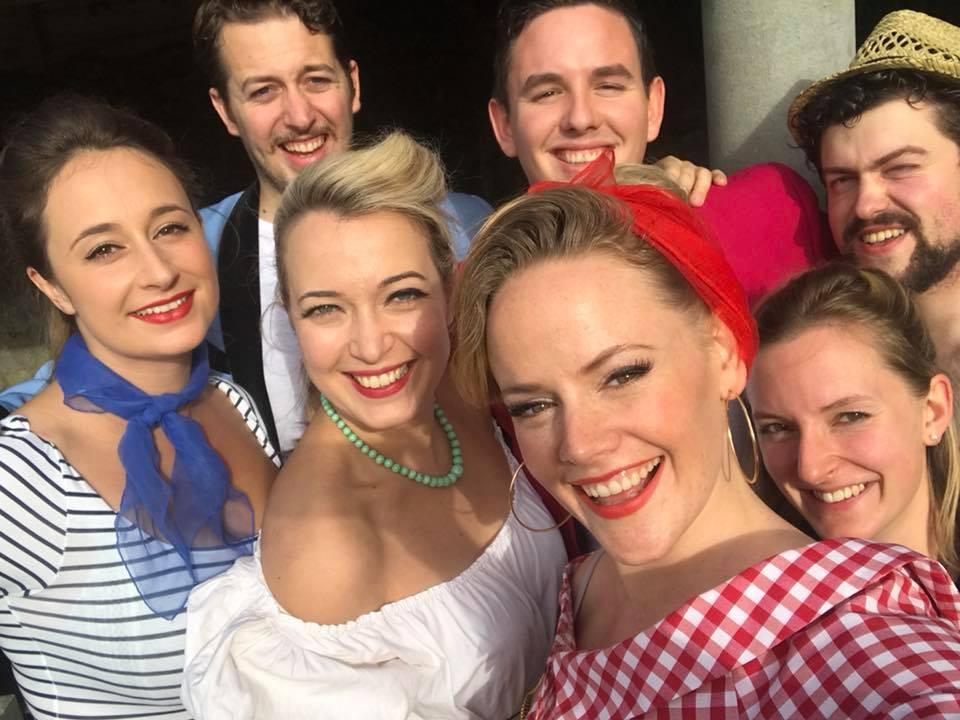 Lizzie Holmes Cosi fan tutte Selfie as Despina