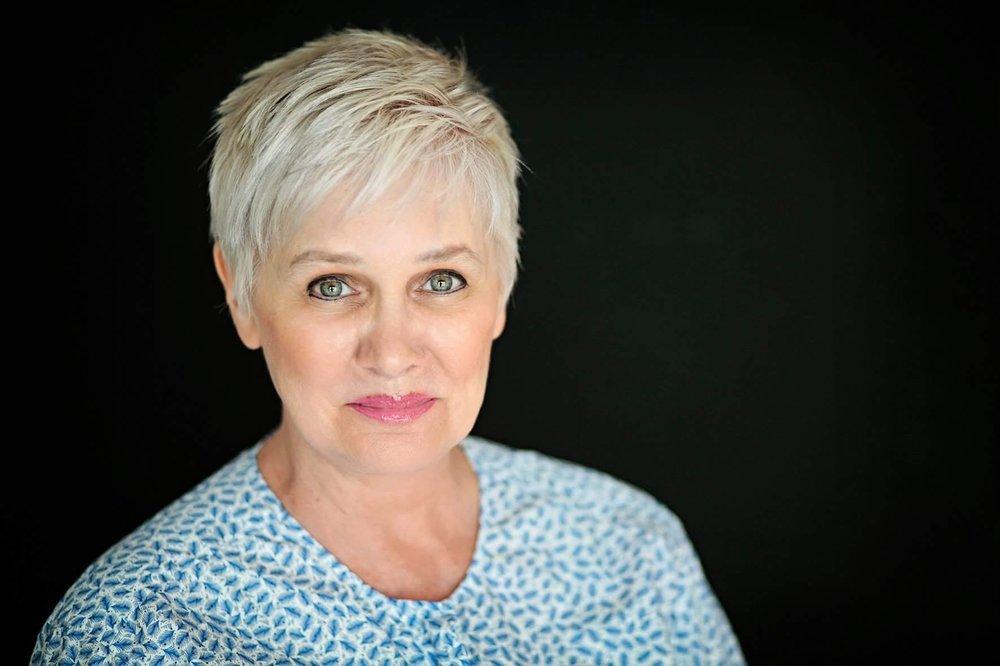 Ursula Stief - zertifizierter Permanent Makeup & Blading Artistoffizieller BHD - Brow Henna Deutschland Trainer