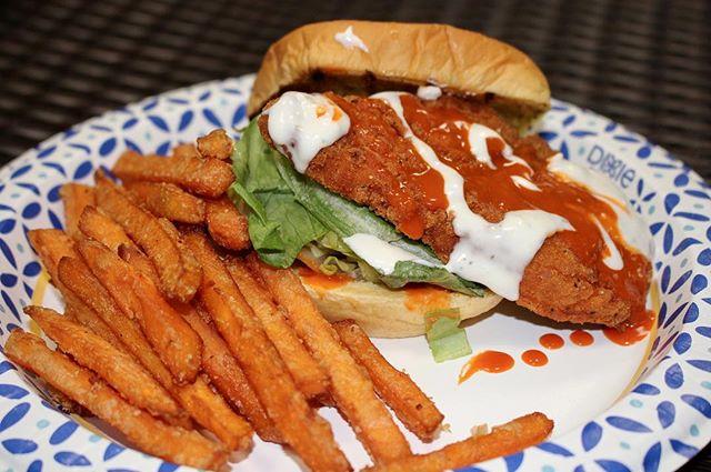 New to the menu: Crispy Buffalo Chicken with a side of sweet potato fries 👍🏼🍔🍟 #biggieburgers #merrick