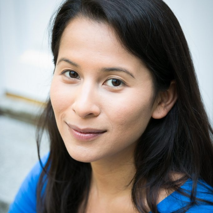 Susan Tan   is author of the  Cilla Lee-Jenkens  series