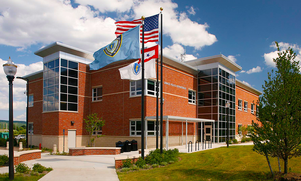 Amherst_UMass_Police_Facility_962x580.jpg