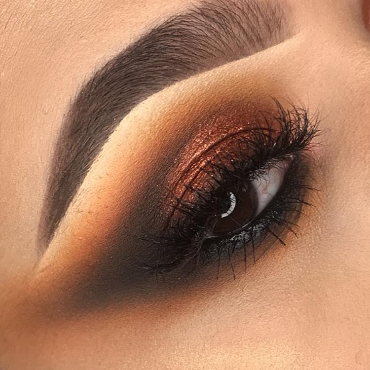 ParisAutumn Make-up Artist.jpeg