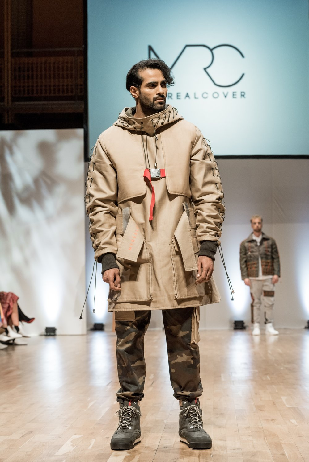 WINNER EMERGING DESIGNER OF THE YEAR 2018 DARREN SCOTT AT MYREALCOVER S 2018209.jpg