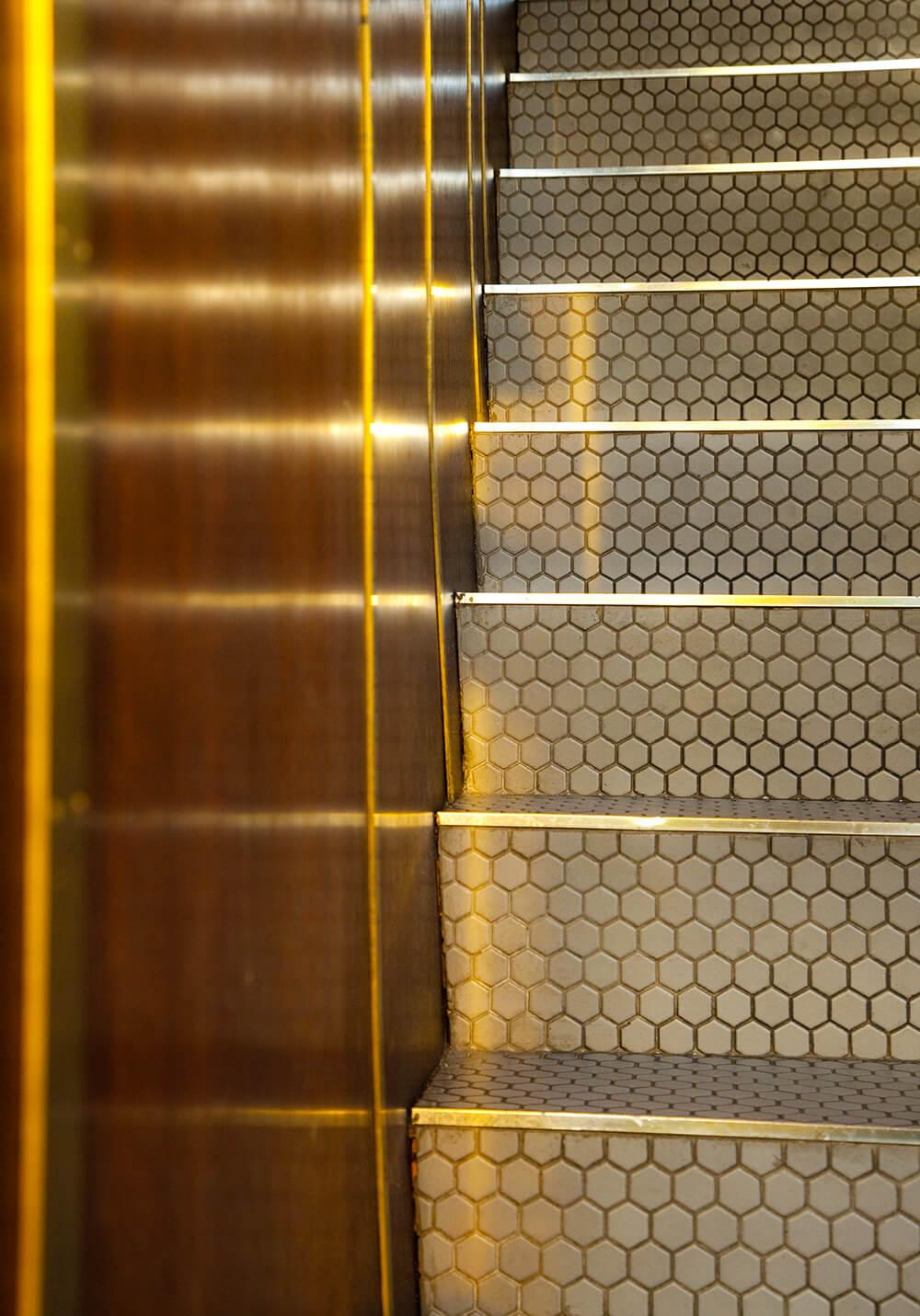 Pullman, wine bar Montreal, stairs