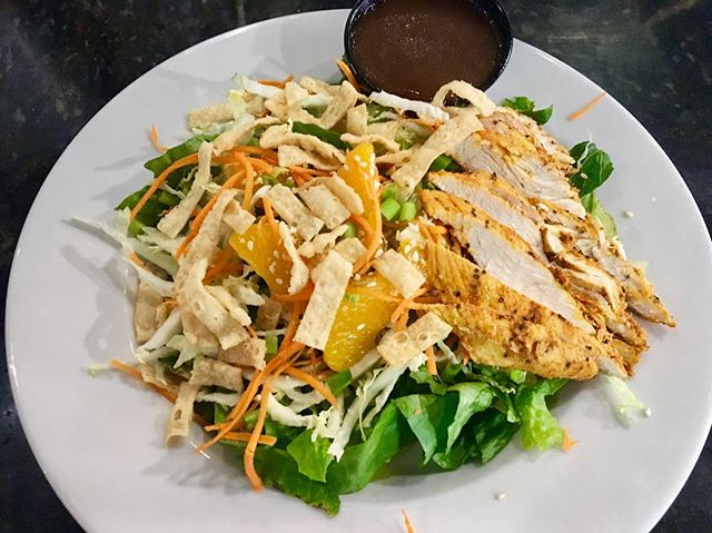 Guess what's back?? 👀 Mandarin Chicken Salad back for a limited time! #pizzamizza #salad #saladlife
