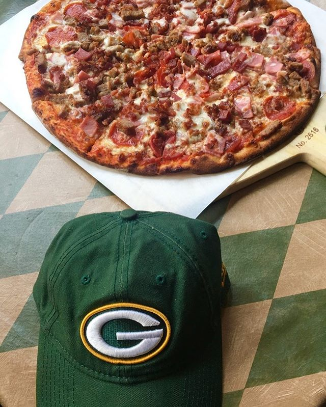 What's better than football being back??! HALF OFF HAPPY HOUR being extended until 5:30 pm for kickoff!!! Come pick up your half off medium or large for today's game!! (Offer valid today only) #pizzamizza #nfl #football #footballseason #pizzaparty