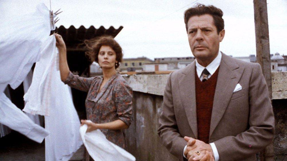 Sophia Loren and Marcello Mastroianni in  Una Giornata Particolare