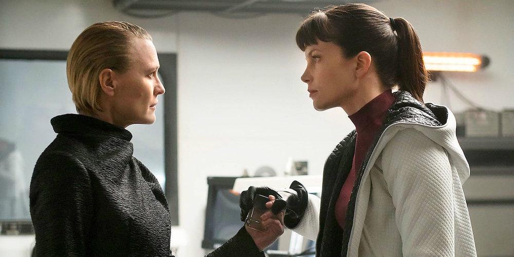 Robin Wright and Sylvia Hoeks in  Blade Runner 2049
