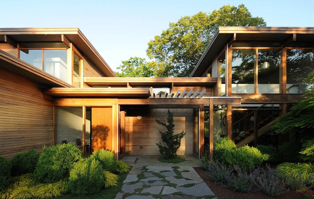 turkel_modern_design_prefab_shelter_island_exterior.jpg