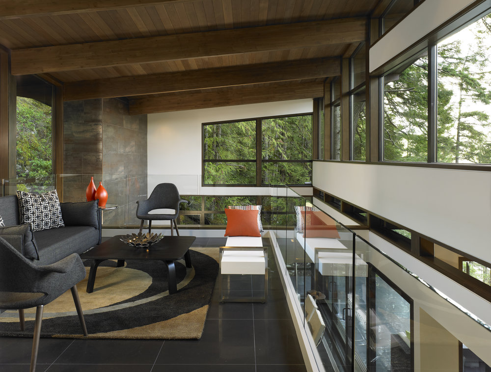 turkel_modern_design_prefab_gambier_island_house_living_space_interior.jpg