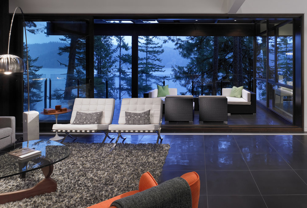 turkel_modern_design_prefab_gambier_island_house_living_space_interior_windows.jpg