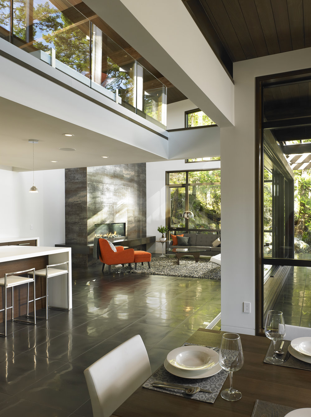 turkel_modern_design_prefab_gambier_island_house_great_room_interior.jpg