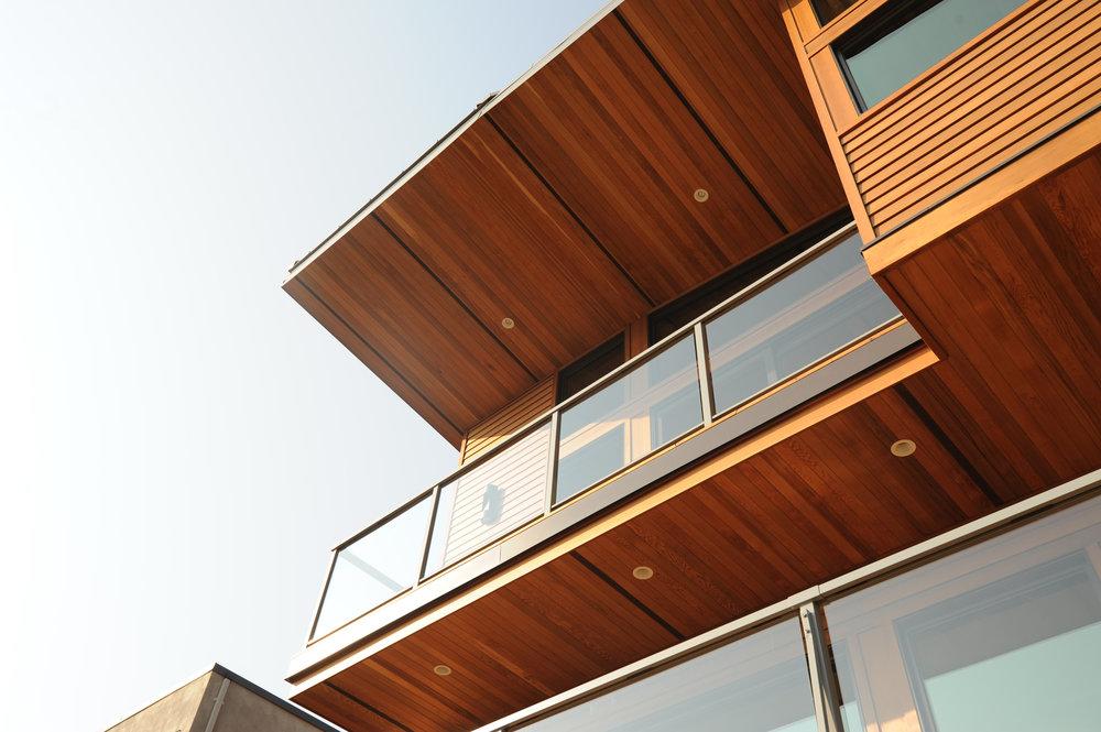 turkel_modern_design_prefab_home_west_vancouver_balcony.JPG