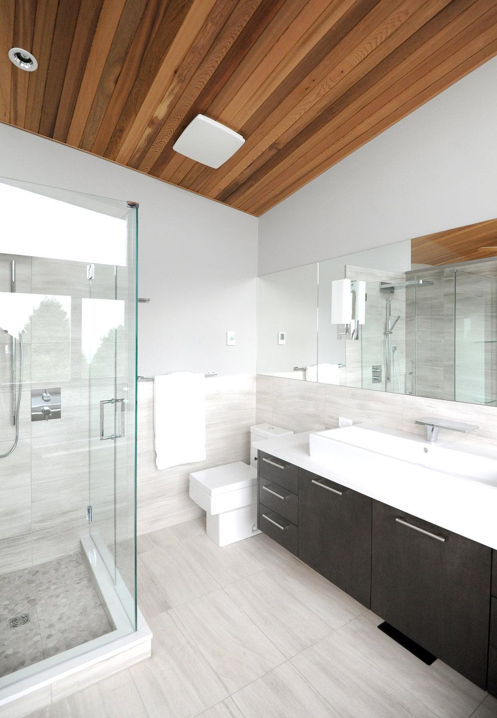 turkel_modern_design_prefab_home_west_vancouver_bathroom.jpg