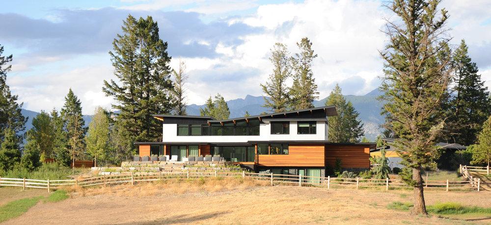 turkel_modern_design_prefab_home_windermere_britishcolumbia_outdoor.jpg
